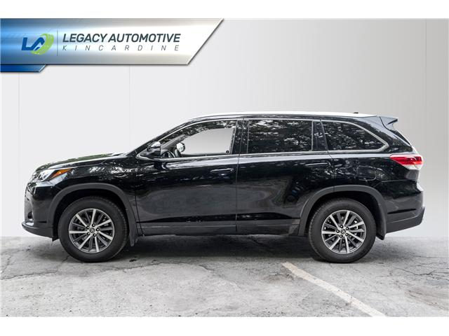 2017 Toyota Highlander XLE (Stk: P8069) in Kincardine - Image 3 of 29