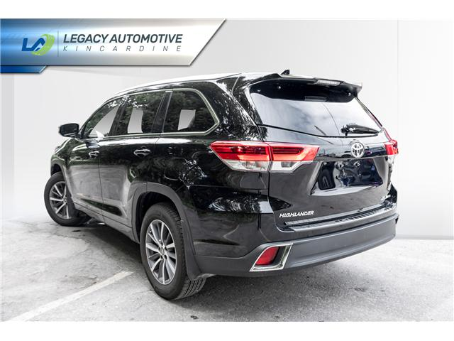2017 Toyota Highlander XLE (Stk: P8069) in Kincardine - Image 4 of 29