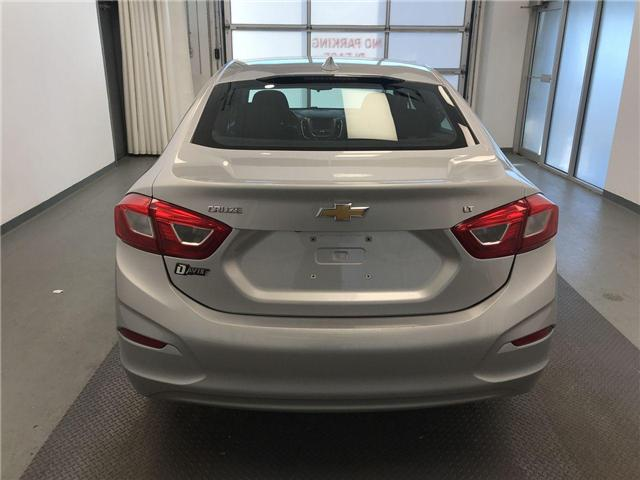 2017 Chevrolet Cruze LT Auto (Stk: 194981) in Lethbridge - Image 2 of 19