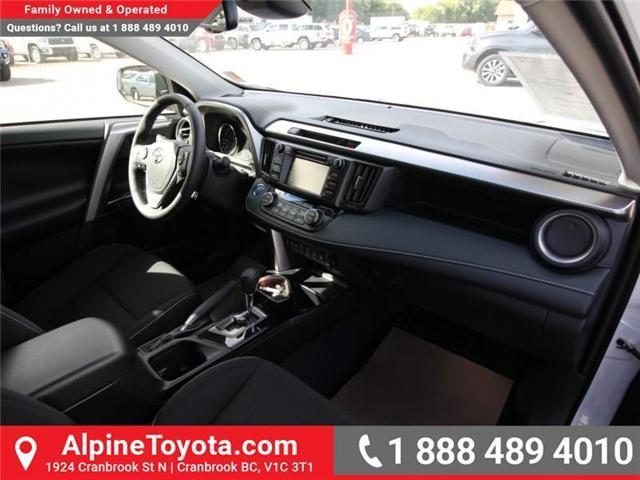 2018 Toyota RAV4 Hybrid LE+ (Stk: D219796) in Cranbrook - Image 10 of 17