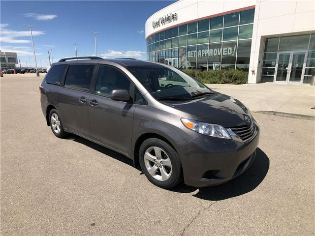 2017 Toyota Sienna LE 8 Passenger (Stk: 284129) in Calgary - Image 1 of 16