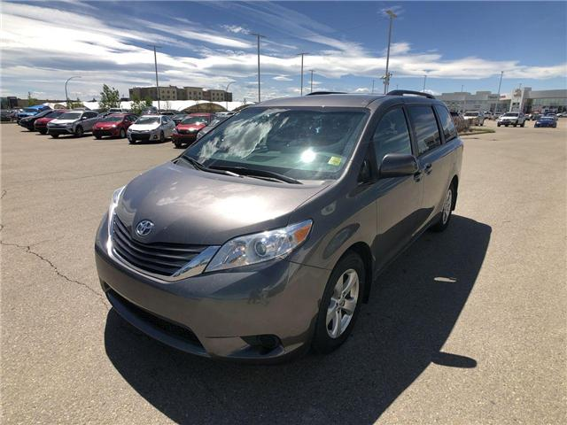 2017 Toyota Sienna LE 8 Passenger (Stk: 284129) in Calgary - Image 4 of 16