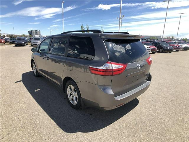 2017 Toyota Sienna LE 8 Passenger (Stk: 284129) in Calgary - Image 6 of 16
