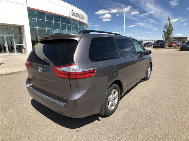 2017 Toyota Sienna LE 8 Passenger (Stk: 284129) in Calgary - Image 8 of 16