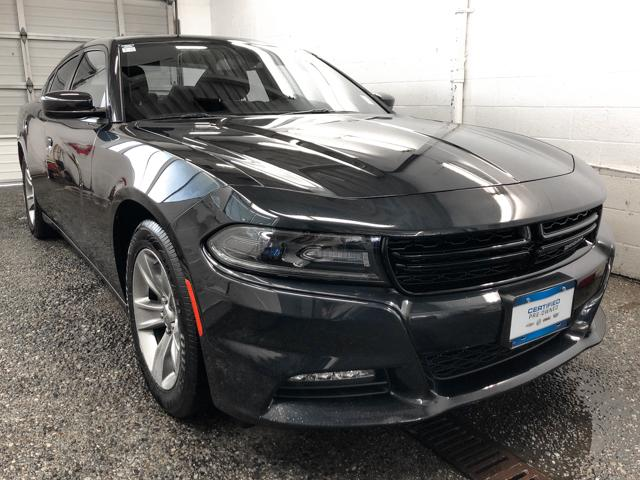 2017 Dodge Charger SXT (Stk: P9-54290) in Burnaby - Image 2 of 24