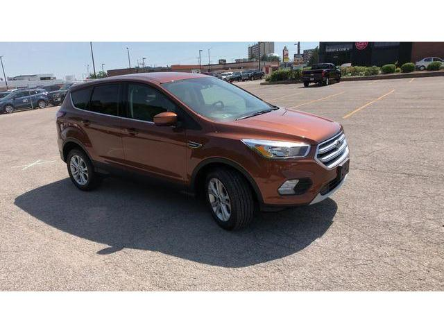 2017 Ford Escape SE (Stk: ED18650A) in Barrie - Image 2 of 19