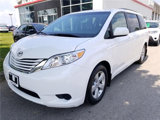 2017 Toyota Sienna LE 8 Passenger (Stk: U00886) in Guelph - Image 2 of 30