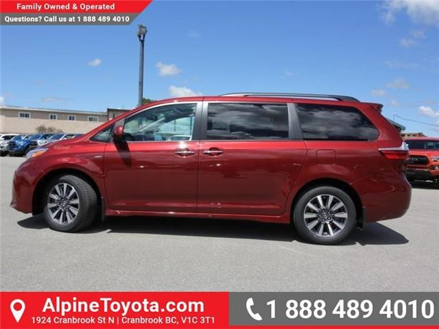 2018 Toyota Sienna  (Stk: S201604) in Cranbrook - Image 2 of 18