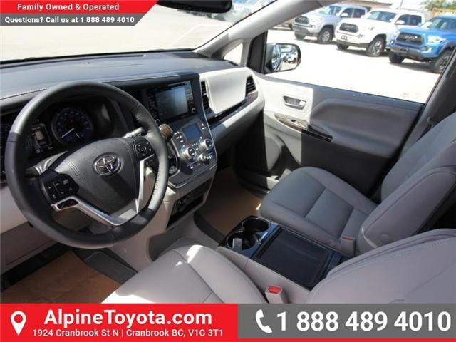 2018 Toyota Sienna  (Stk: S201604) in Cranbrook - Image 9 of 18