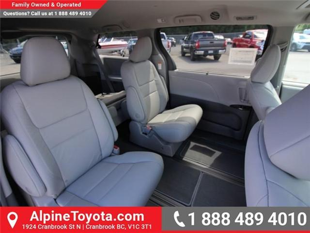 2018 Toyota Sienna  (Stk: S201604) in Cranbrook - Image 12 of 18