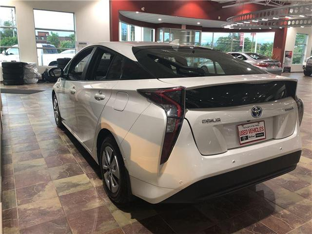 2017 Toyota Prius Technology (Stk: 185774) in Kitchener - Image 3 of 6