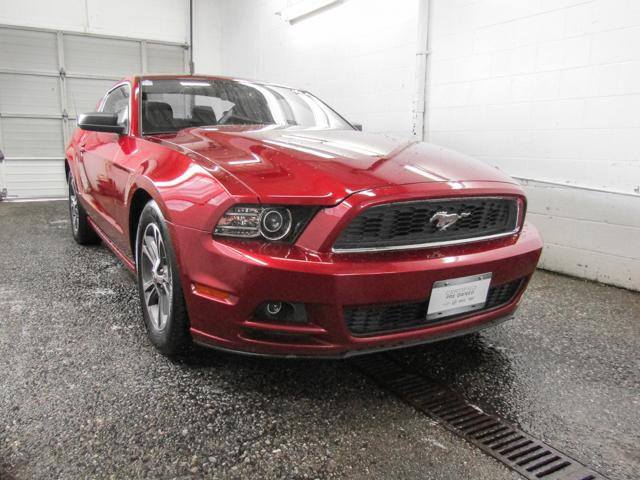 2014 Ford Mustang V6 (Stk: P9-55430) in Burnaby - Image 2 of 23