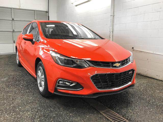 2018 Chevrolet Cruze LT Auto (Stk: J8-99750) in Burnaby - Image 2 of 7
