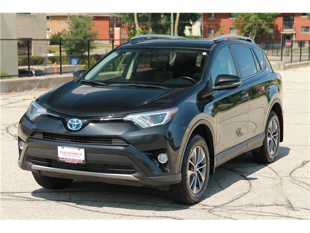 2016 Toyota RAV4 Hybrid XLE (Stk: 1806270) in Waterloo - Image 1 of 29