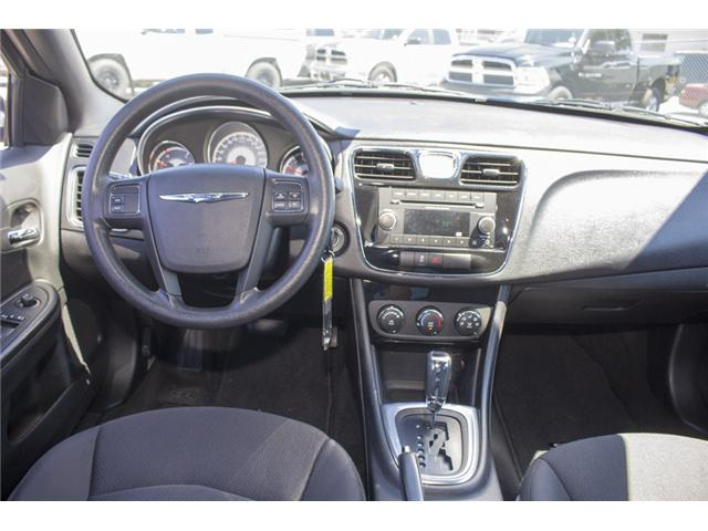 2013 Chrysler 200 LX (Stk: EE893950) in Surrey - Image 12 of 24