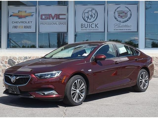 2018 Buick Regal Sportback Preferred II (Stk: 18778) in Peterborough - Image 1 of 3