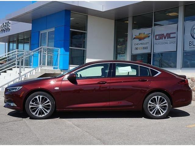 2018 Buick Regal Sportback Preferred II (Stk: 18778) in Peterborough - Image 2 of 3