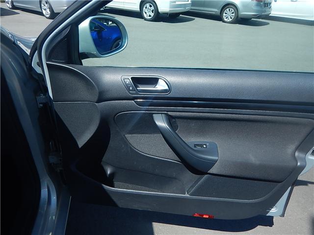 2011 Volkswagen Golf 2.0 TDI Comfortline (Stk: VW0706) in Surrey - Image 13 of 20