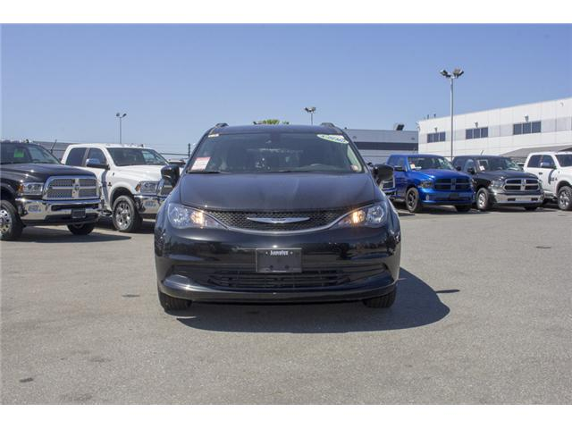 2017 Chrysler Pacifica LX (Stk: EE891550) in Surrey - Image 2 of 25