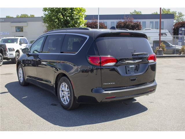 2017 Chrysler Pacifica LX (Stk: EE891550) in Surrey - Image 5 of 25