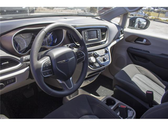 2017 Chrysler Pacifica LX (Stk: EE891550) in Surrey - Image 11 of 25