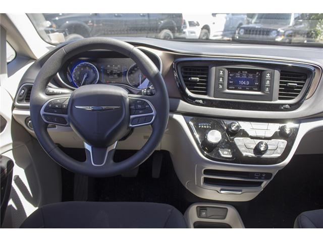 2017 Chrysler Pacifica LX (Stk: EE891550) in Surrey - Image 13 of 25