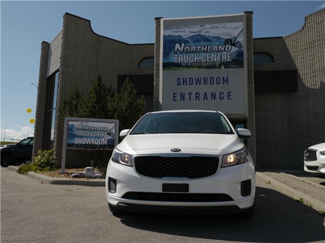 2018 Kia Sedona LX (Stk: P0046) in Calgary - Image 1 of 18