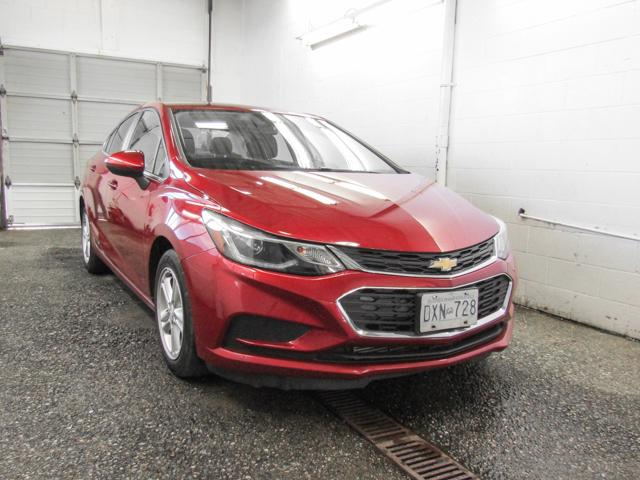 2017 Chevrolet Cruze LT Auto (Stk: P9-55420) in Burnaby - Image 2 of 23