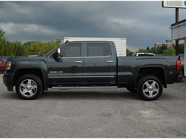 2017 GMC Sierra 2500HD SLT (Stk: 18733A) in Peterborough - Image 2 of 22