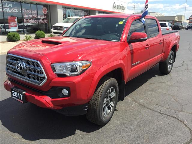 2017 Toyota Tacoma  (Stk: P0053640) in Cambridge - Image 2 of 14