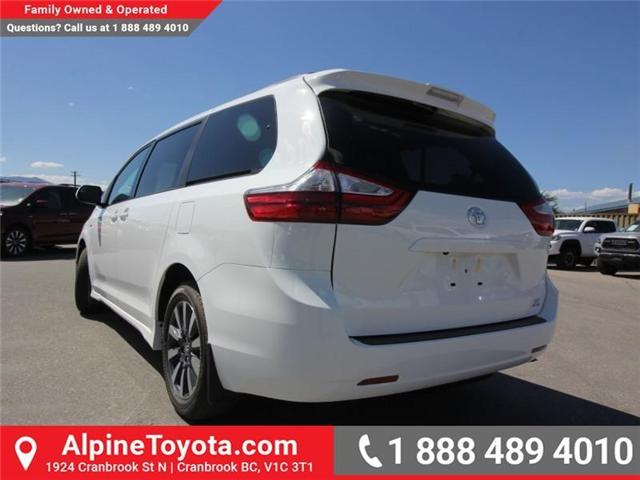2018 Toyota Sienna  (Stk: S201139) in Cranbrook - Image 2 of 13