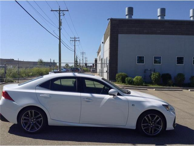 2018 Lexus IS 300 Base (Stk: 180283) in Calgary - Image 1 of 9
