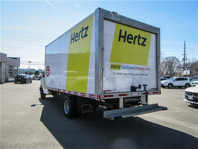 2017 GMC Savana 16 ft Cube Van - Lease for $575/month (Stk: 89707-4) in Ottawa - Image 4 of 7