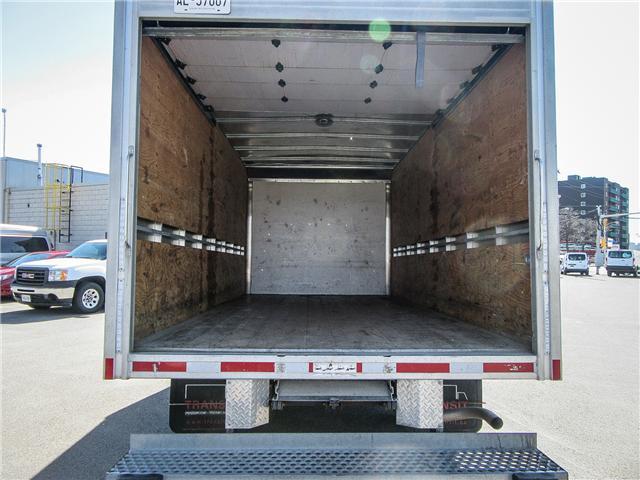 2017 GMC Savana 16 ft Cube Van - Lease for $575/month (Stk: 89707-4) in Ottawa - Image 6 of 7