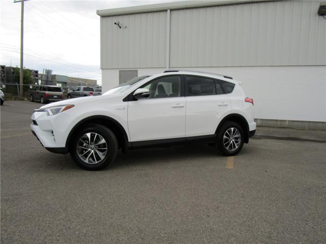 2018 Toyota RAV4 Hybrid LE+ (Stk: 183618) in Regina - Image 2 of 38