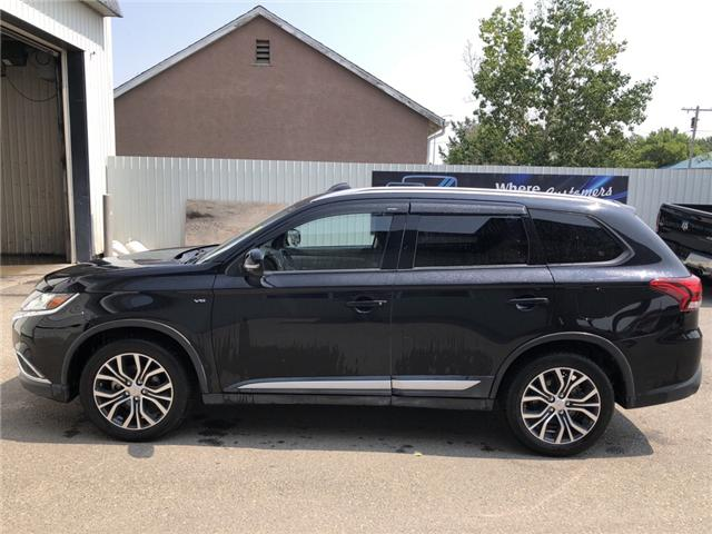 2016 Mitsubishi Outlander SE (Stk: 13384) in Fort Macleod - Image 2 of 22