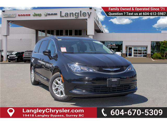 2017 Chrysler Pacifica LX (Stk: EE891550) in Surrey - Image 1 of 25