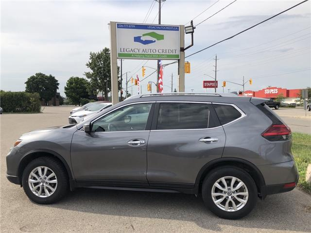 2017 Nissan Rogue SV (Stk: L8606) in Waterloo - Image 1 of 16