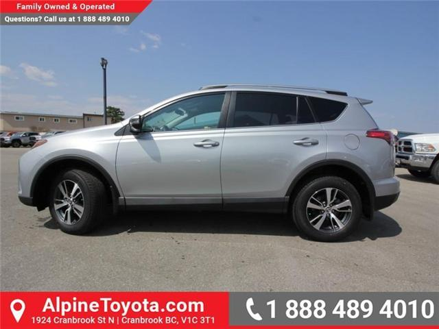 2018 Toyota RAV4 LE (Stk: W813176) in Cranbrook - Image 2 of 16