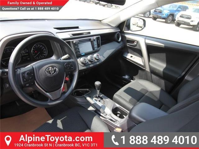2018 Toyota RAV4 LE (Stk: W813176) in Cranbrook - Image 8 of 16