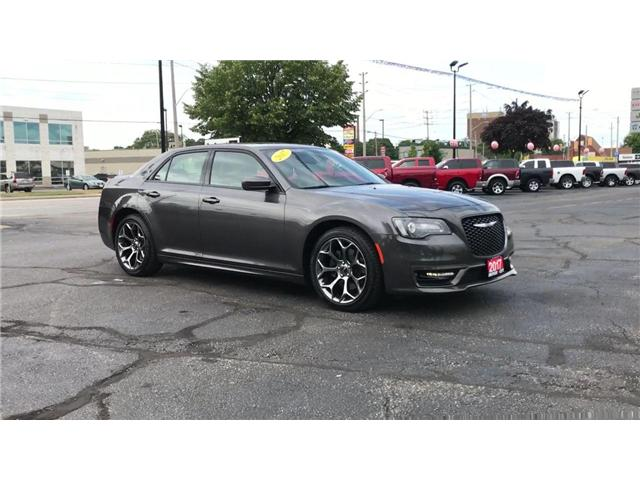 2017 Chrysler 300 S Hemi 5.7L Panoramic Sun Roof Heated Leather (Stk: 44533) in Windsor - Image 2 of 11