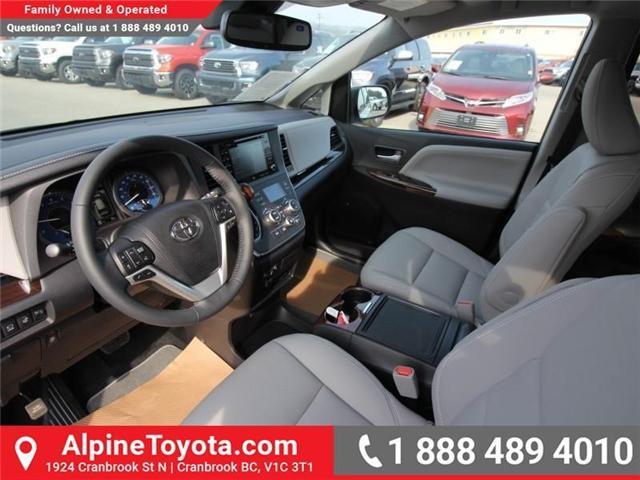 2018 Toyota Sienna XLE 7-Passenger (Stk: S206146) in Cranbrook - Image 7 of 18