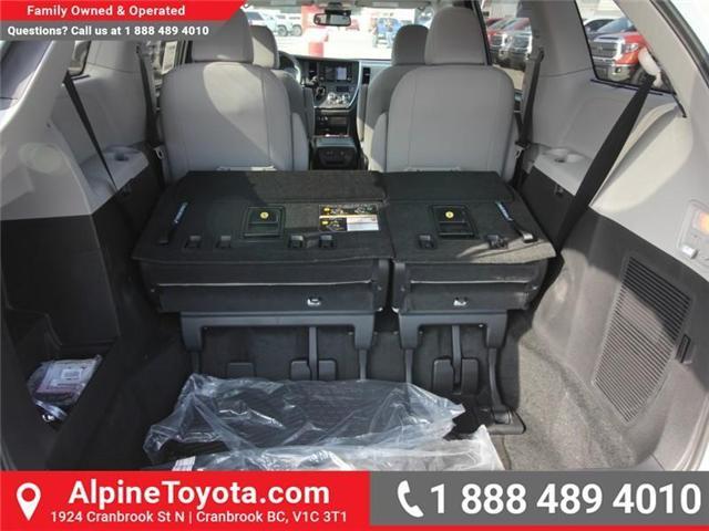 2018 Toyota Sienna XLE 7-Passenger (Stk: S206146) in Cranbrook - Image 16 of 18