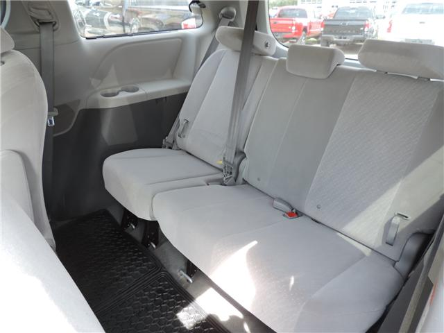 2017 Toyota Sienna LE 8 Passenger (Stk: 184231) in Brandon - Image 11 of 25