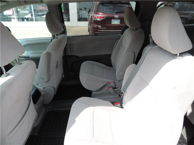 2017 Toyota Sienna LE 8 Passenger (Stk: 184231) in Brandon - Image 12 of 25
