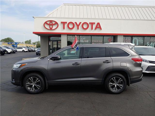 2017 Toyota Highlander LE (Stk: P0053830) in Cambridge - Image 1 of 14