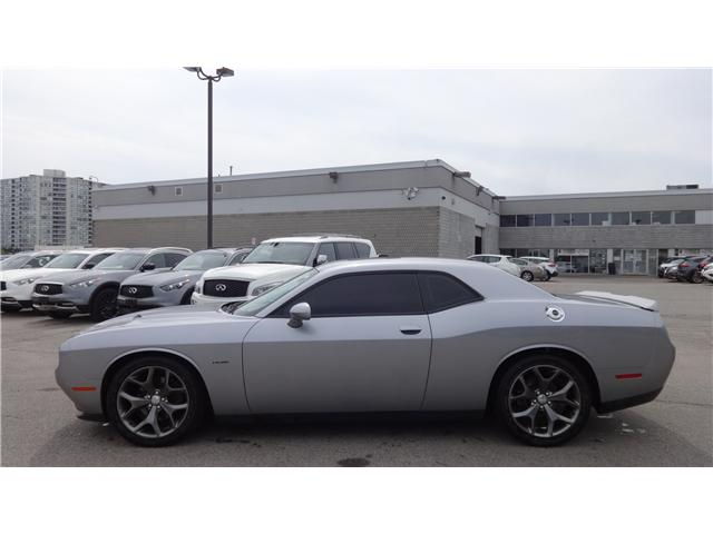 2015 Dodge Challenger SXT Plus or R/T (Stk: U11855B) in Scarborough - Image 2 of 32