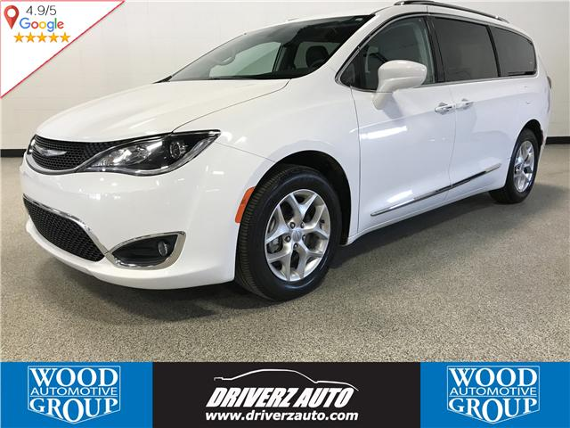 2017 Chrysler Pacifica Touring-L Plus (Stk: P11652) in Calgary - Image 1 of 12