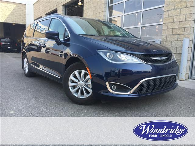 2017 Chrysler Pacifica Touring-L (Stk: J-2082A) in Calgary - Image 1 of 22