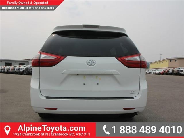 2018 Toyota Sienna LE 7-Passenger (Stk: S201313) in Cranbrook - Image 3 of 13